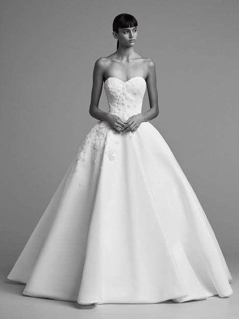 Look 10 Wedding                                          dress by Viktor & Rolf Mariage