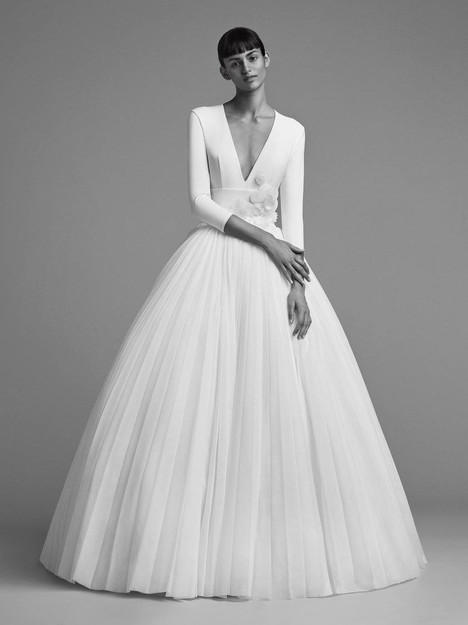 Look 11 Wedding                                          dress by Viktor & Rolf Mariage