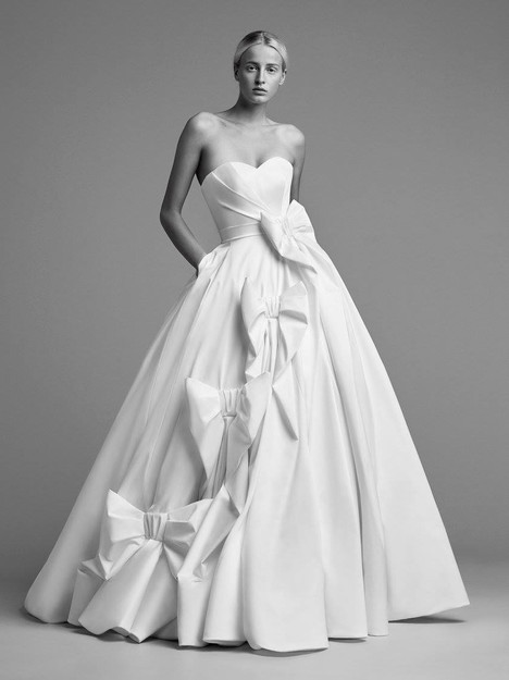 Look 12 Wedding dress by Viktor & Rolf Mariage