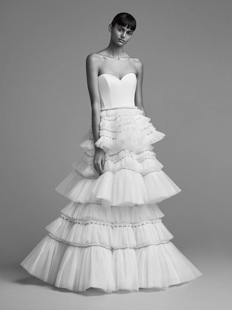 Look 13 gown from the 2018 Viktor & Rolf Mariage collection, as seen on dressfinder.ca