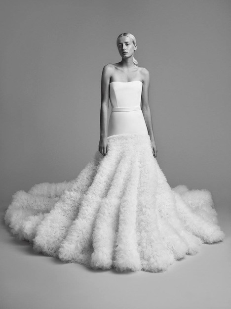 Look 14 Wedding                                          dress by Viktor & Rolf Mariage