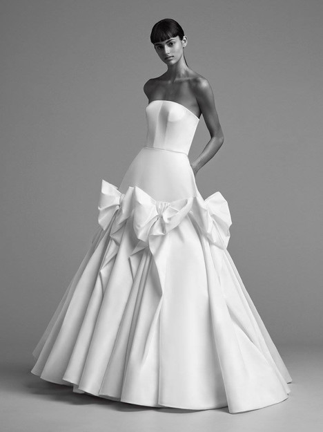 Look 15 Wedding dress by Viktor & Rolf Mariage