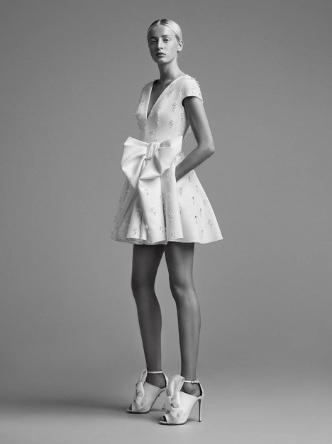 Look 20 Wedding                                          dress by Viktor & Rolf Mariage
