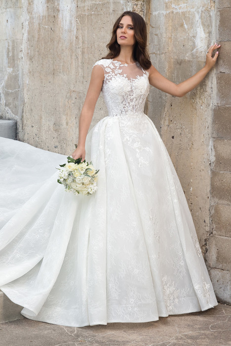 M615 Wedding                                          dress by Lo' Adoro