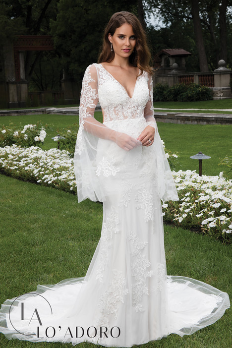 M643 Wedding dress by Lo' Adoro