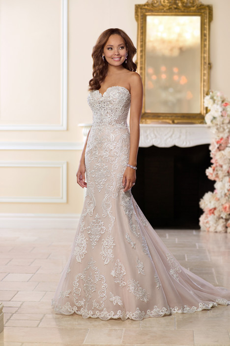 6589 Wedding                                          dress by Stella York