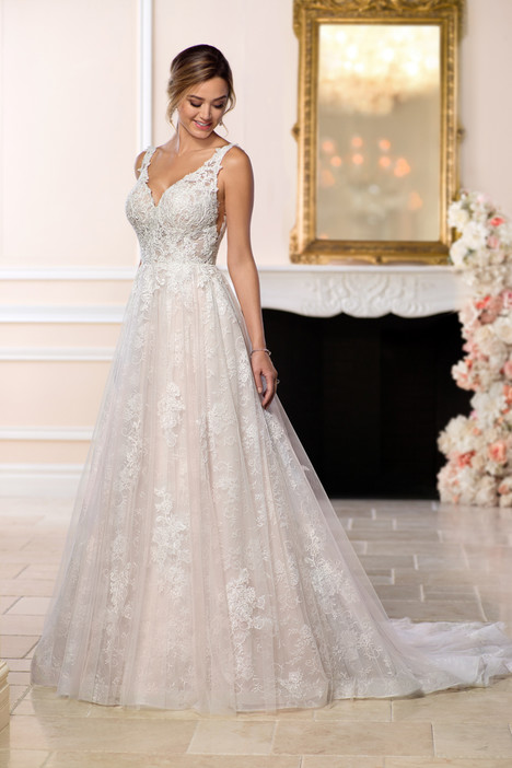 6603 gown from the 2018 Stella York collection, as seen on dressfinder.ca