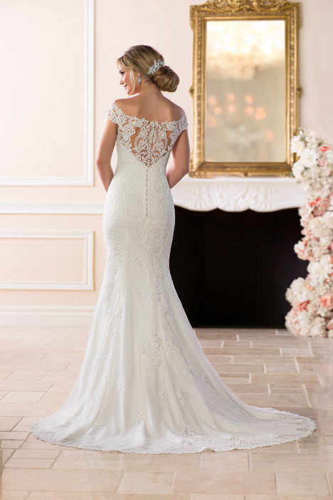 6639 (back) gown from the 2018 Stella York collection, as seen on dressfinder.ca