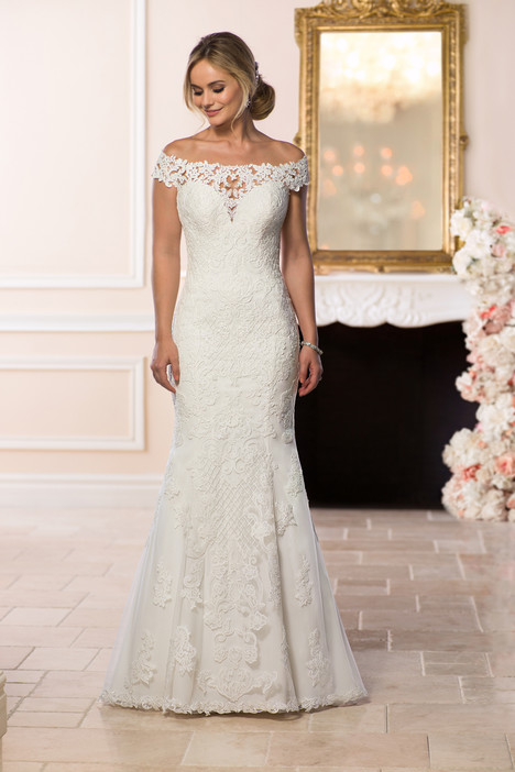 6639 Wedding                                          dress by Stella York