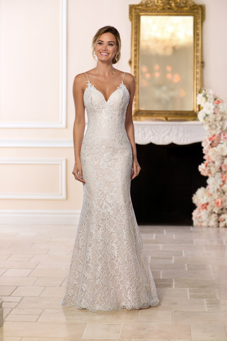 6655 gown from the 2018 Stella York collection, as seen on dressfinder.ca