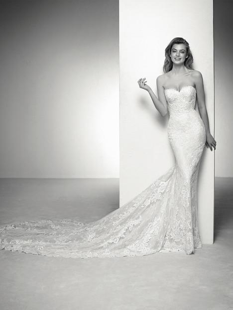 Ilona Wedding                                          dress by Atelier Pronovias