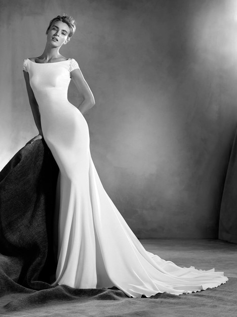Edrei Wedding                                          dress by Pronovias Atelier