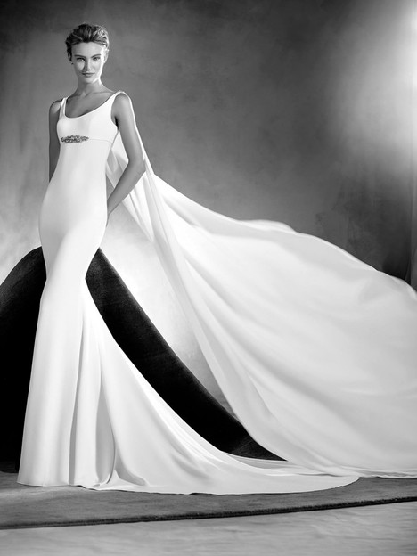 Edurne Wedding                                          dress by Pronovias Atelier