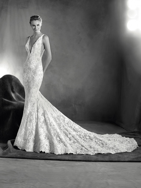 Estela Wedding                                          dress by Pronovias Atelier
