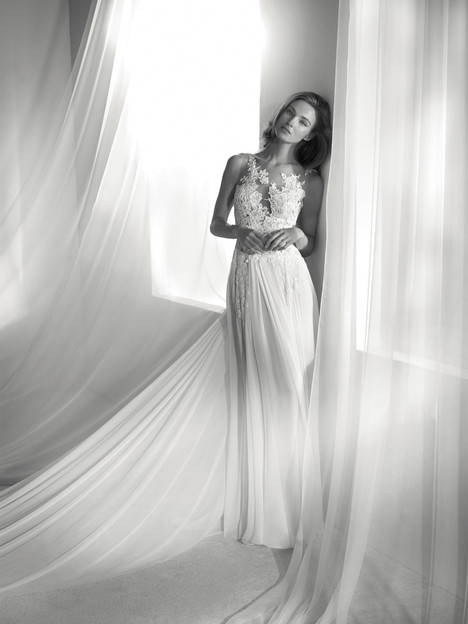 Reina gown from the 2018 Pronovias Atelier collection, as seen on dressfinder.ca
