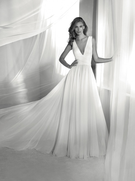 Reinado gown from the 2018 Pronovias Atelier collection, as seen on dressfinder.ca