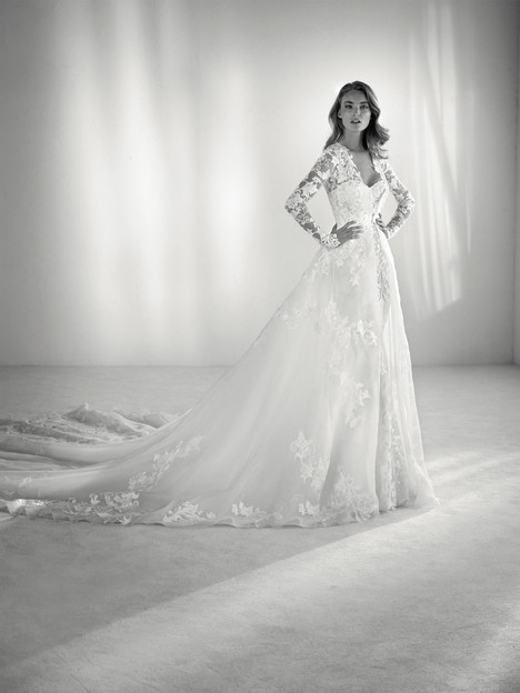 Rima gown from the 2018 Pronovias Atelier collection, as seen on dressfinder.ca