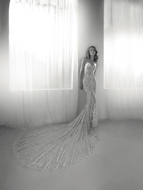 Risca gown from the 2018 Pronovias Atelier collection, as seen on dressfinder.ca