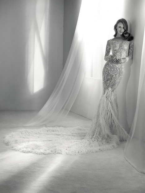Risuena gown from the 2018 Pronovias Atelier collection, as seen on dressfinder.ca