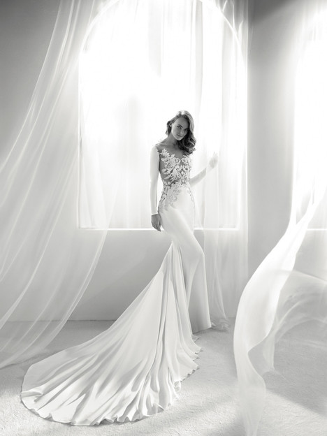 Roine Wedding dress by Pronovias Atelier