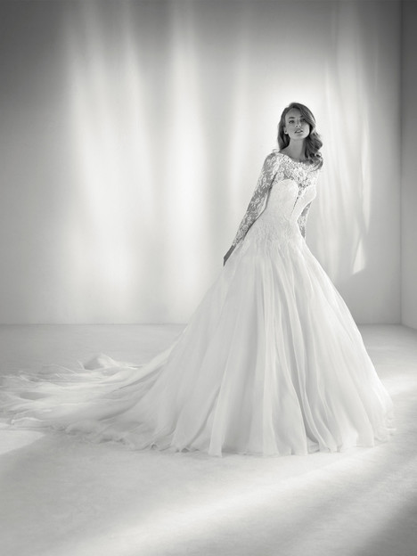 Roncel gown from the 2018 Pronovias Atelier collection, as seen on dressfinder.ca
