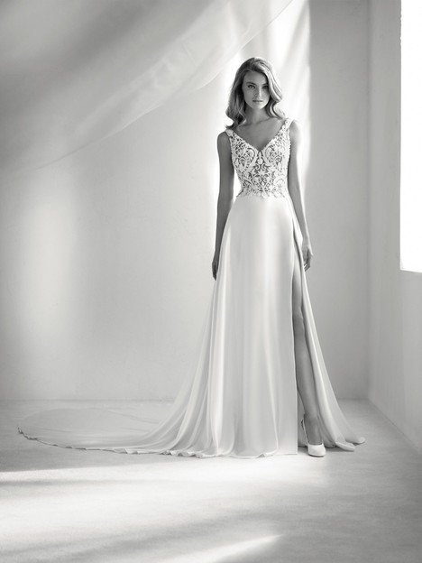 Rosales gown from the 2018 Pronovias Atelier collection, as seen on dressfinder.ca