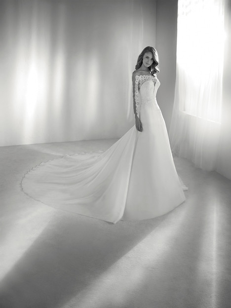 Rumba gown from the 2018 Pronovias Atelier collection, as seen on dressfinder.ca
