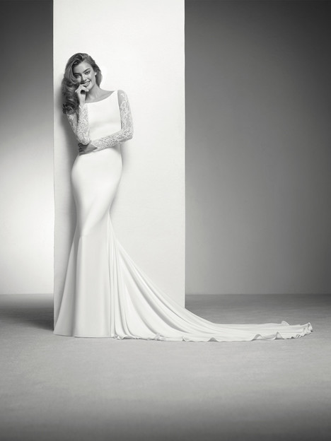 Ilada Wedding                                          dress by Pronovias Privée
