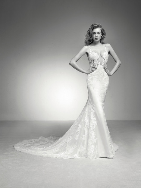 Ileas Wedding                                          dress by Pronovias Privée