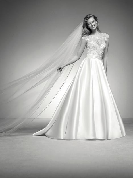Iria Wedding                                          dress by Pronovias Privée