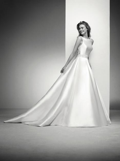 Irlena Wedding                                          dress by Pronovias Privée