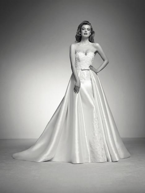 Isabel Wedding                                          dress by Pronovias Privée