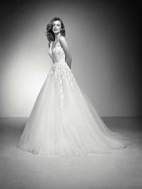 Isena Wedding                                          dress by Pronovias Privée