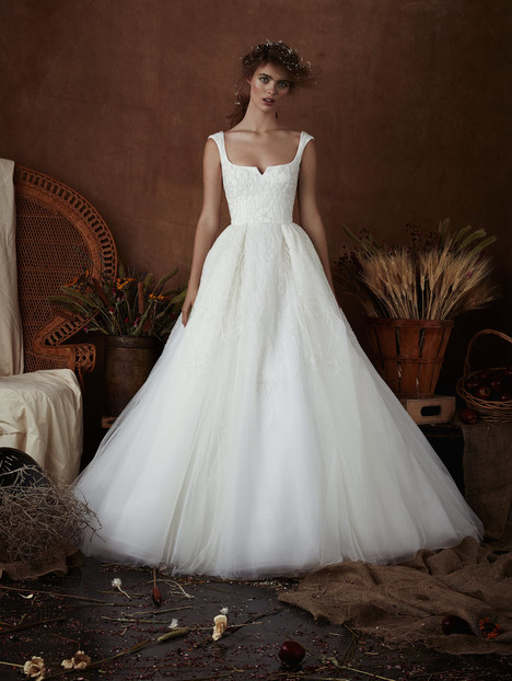 Chloe Wedding dress by Isabelle Armstrong