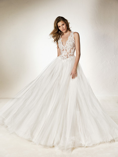 Cheno Wedding                                          dress by Pronovias One