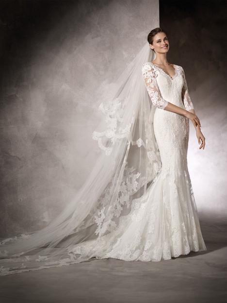 Kay Wedding                                          dress by Pronovias One