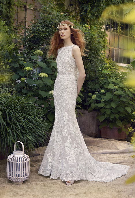 Amazone Wedding                                          dress by Annasul Y
