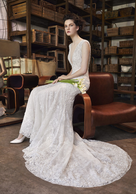 Anemone Wedding                                          dress by Lusan Mandongus