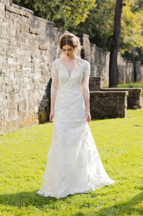 Leyla (4061) Wedding                                          dress by Barbara Kavchok