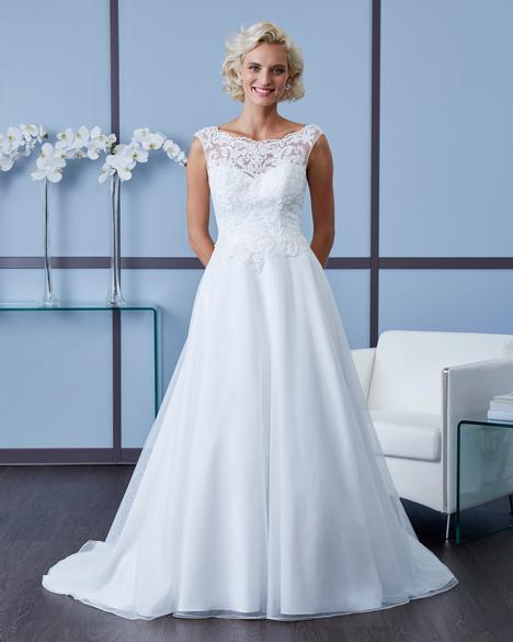 7603 gown from the 2018 Romantic Bridals collection, as seen on dressfinder.ca