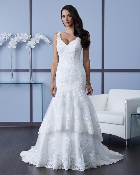 4601 Wedding                                          dress by Romantic Bridals : Hearts Desire