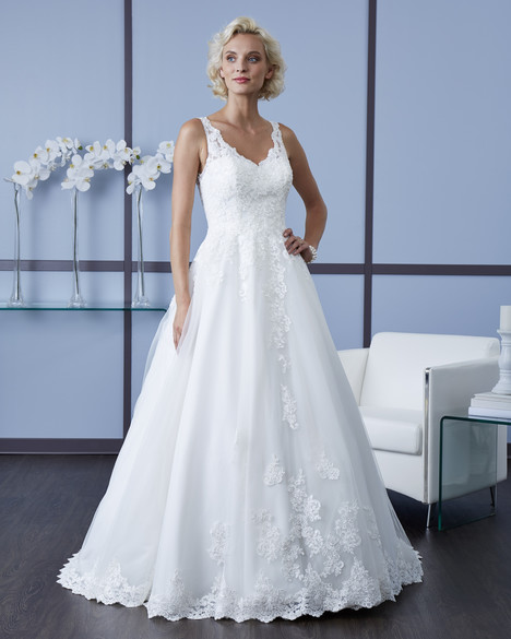 4604 Wedding                                          dress by Romantic Bridals : Hearts Desire