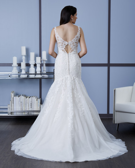 4606 (Back) Wedding                                          dress by Romantic Bridals : Hearts Desire