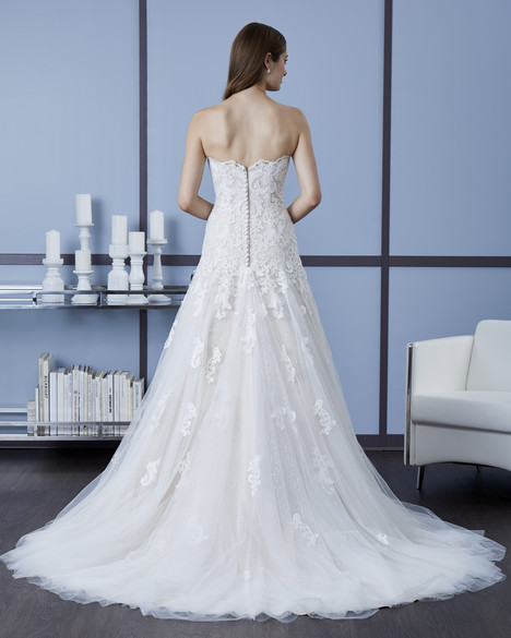 4607 (Back) Wedding                                          dress by Romantic Bridals : Hearts Desire