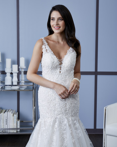 4606 (3) Wedding                                          dress by Romantic Bridals: Hearts Desire