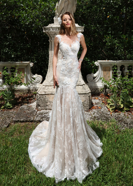 10566 Wedding                                          dress by Ashley & Justin Bride