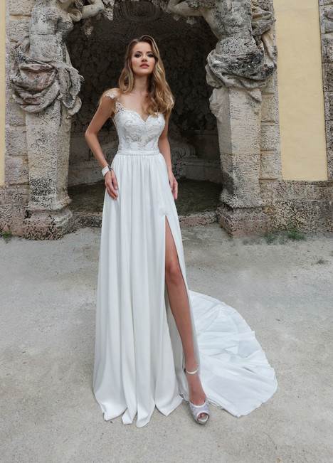 10573 gown from the 2018 Ashley & Justin Bride collection, as seen on dressfinder.ca