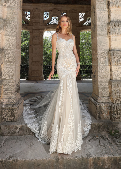 10581 Wedding                                          dress by Ashley & Justin Bride