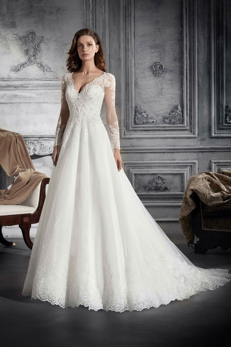 737 Wedding                                          dress by Demetrios Bride