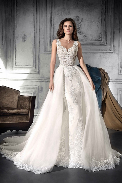 752 Wedding                                          dress by Demetrios Bride